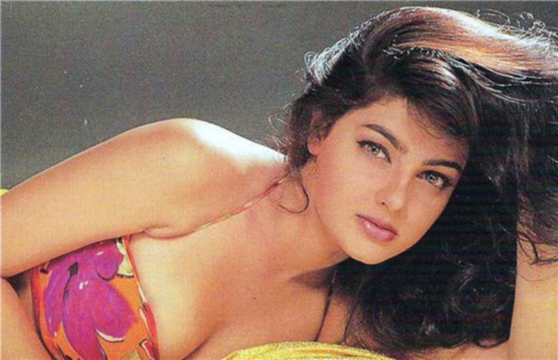 Beautiful Queen Mamta Kulkarni