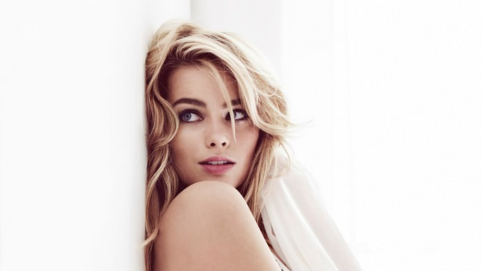 Margot Robbie Hottest Hollywood Actress 2018