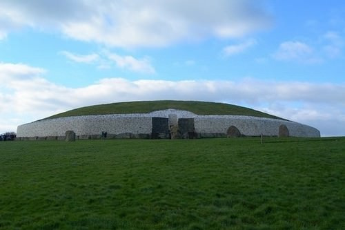Newgrange, Ireland 10 Oldest Buildings