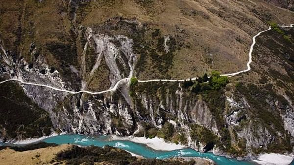Skipper's Canyon Road in New Zealand
