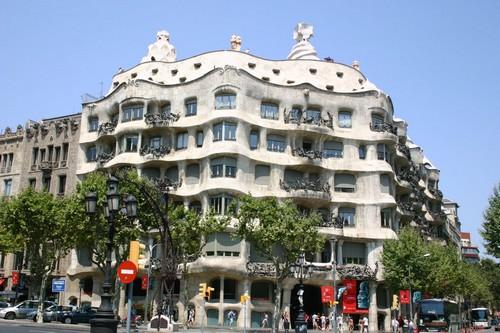 10 Strangest Buildings