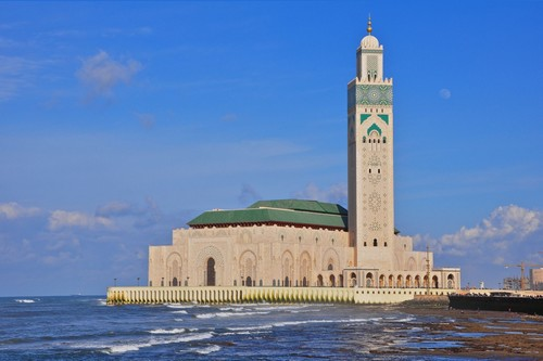 10 Most Amazing And Beautiful Mosques In The World