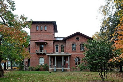 Top 10 haunted places in the us state of alabama for Home builders in south alabama