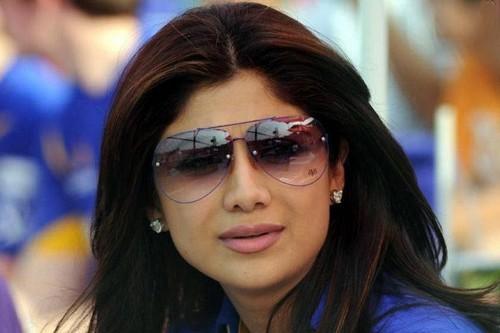 Top 10 Yummy Mummies of Bollywood