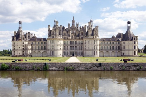 10 Gorgeous Castles in France