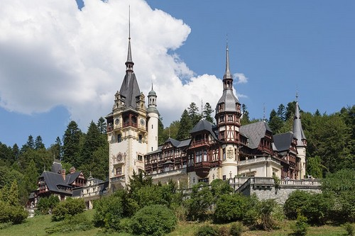 10 Gorgeous Castles Romania