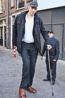 Top 10 Tallest Men
