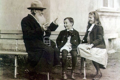 Historical Images Leo Tolstoy 1909