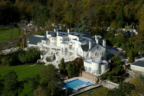 Top 10 most luxurious houses of the world for Top 10 biggest houses in the world