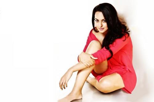 Actress Sonakshi Ssinha Hot