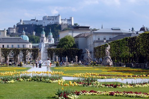 Top 10 of Worlds Most Beautiful Gardens