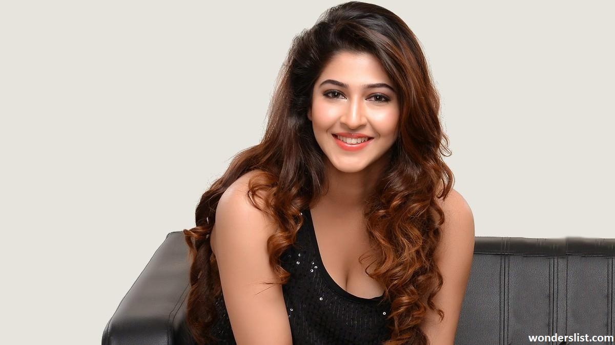 The Top 10 Hottest Indian TV Actresses - WondersList