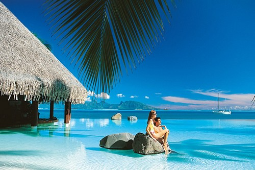 10 best honeymoon locations around the world wonderslist for Top honeymoon beach destinations