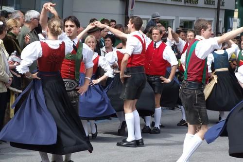 Austria's guys dancing