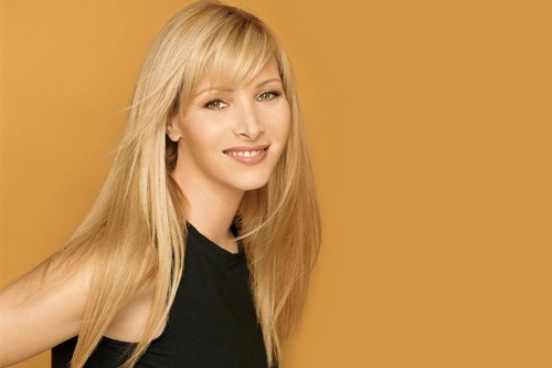 Not-So-Dumb Hollywood Celebrities Lisa Kudrow