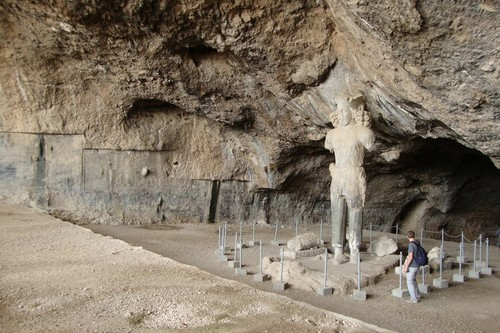 Shapur Asian Caves, Iran