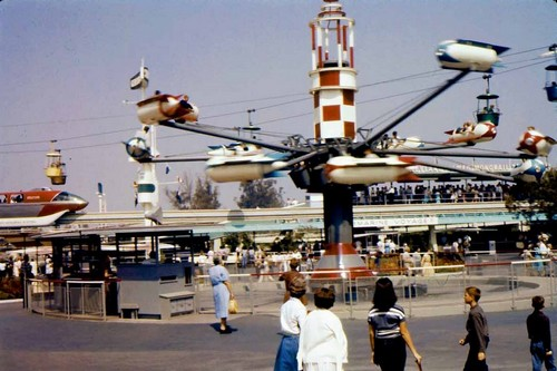Astro Jets Rides in Disney