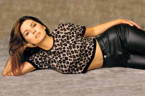Shania Twain Sizzling Hot