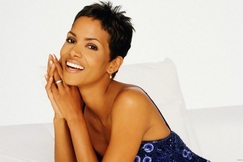 Halle Berry Beautiful Actresses who were Models