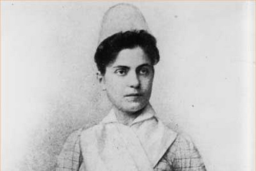 Lillian Wald young in nurse uniform
