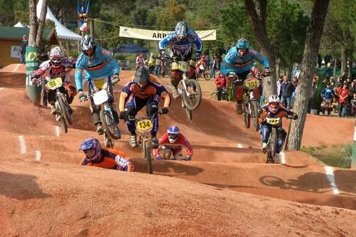 BMX гонки фото действий