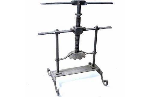 10 Most Frightening Torture Devices