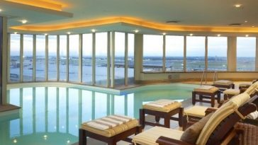 10 Spectacular Airport Hotels with Runway Views