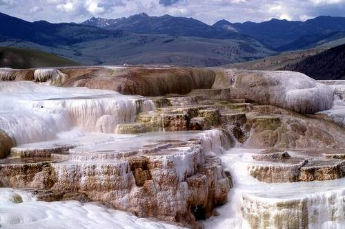 Top 10 natural hot springs in the world wonderslist for Natural terrace