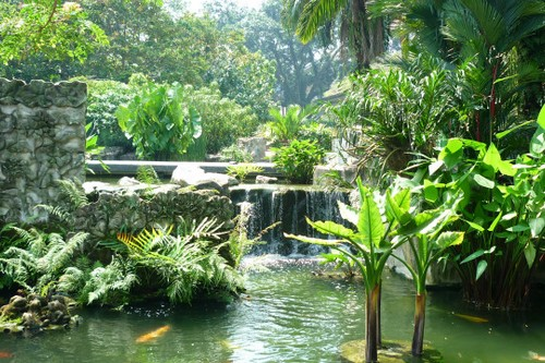 10 most amazing botanical gardens wonderslist for Au jardin singapore botanic gardens