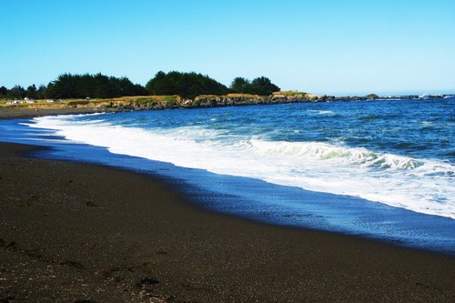 10 Black Beaches, Albay