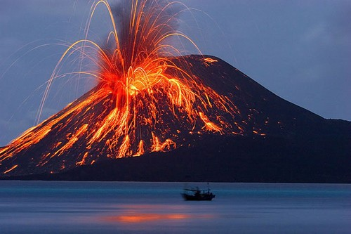 Here are the 7 most amazing Volcanoes in the world! 16