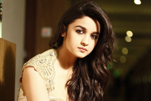Alia Bhatt Gorgeous look