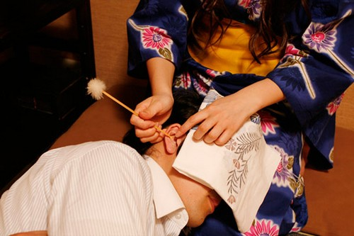 Ear-cleaning parlors Bizarre Services from Japan