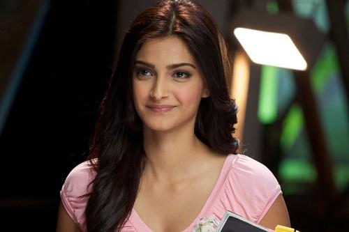 Gorgeous Sonam Kapoor