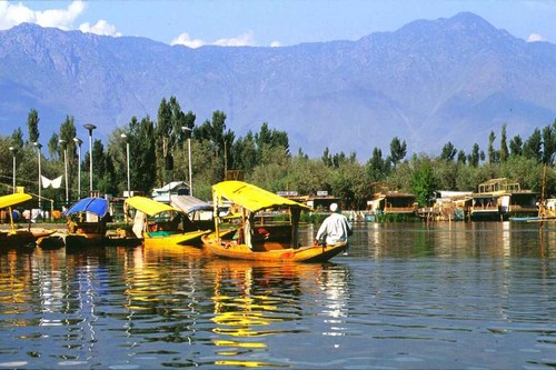 Srinagar, Alluring Lakeside Cities of India