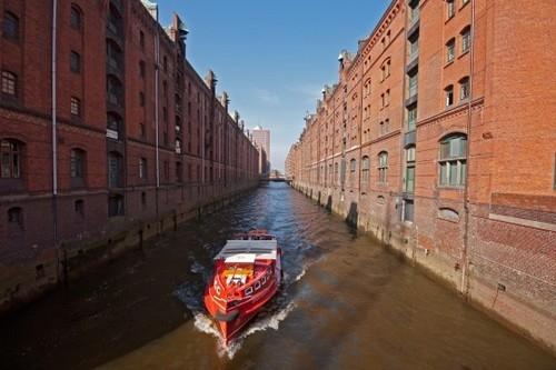 Beautiful Canal Cities Hamburg