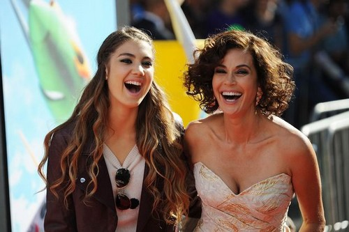 Hottest Hollywood Moms