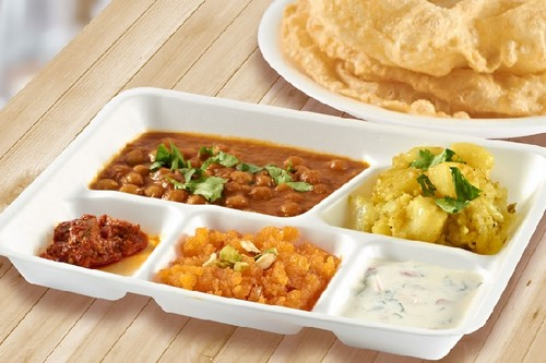halwa poori Mouthwatering Pakistani Foods