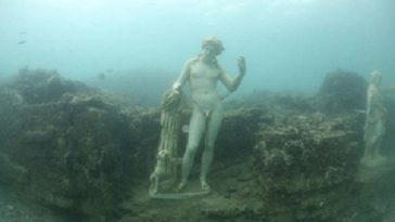 10 Lost Underwater Cities