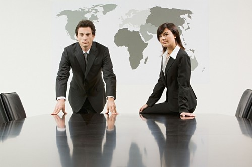 Do men and women communicate differently essay