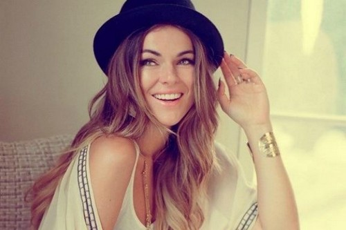 Canadian Beautiful Lady Serinda Swan