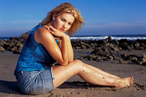 Canadian actress and model Elisha Cuthbert