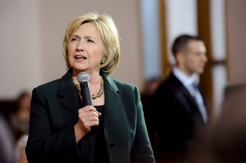 Hillary Clinton's growing 'woman problem