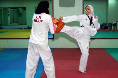 Sara Khoshjamal Fekri, Iran