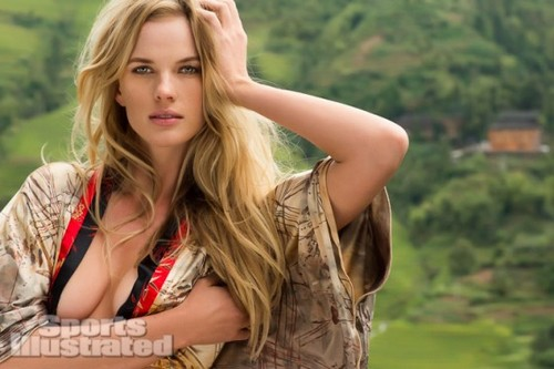 Anne Vyalitsyna SI-Swimsuit