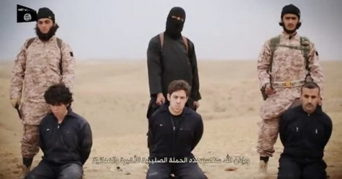 ISIS Beheads Syrian Soldiers