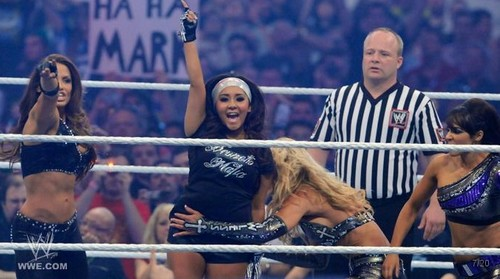 Snooki Does Wrestlemania