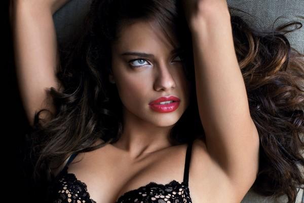 Most Beautiful Brazilian Woman Adriana Lima