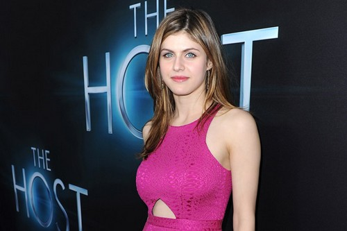 Alexandra Daddario hottest Hollywood actresses 2019