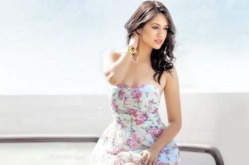 Disha Patani Hot Bollywood Actresses 2017
